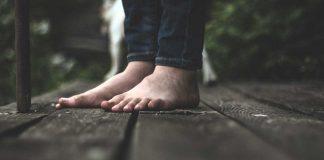 chân trần