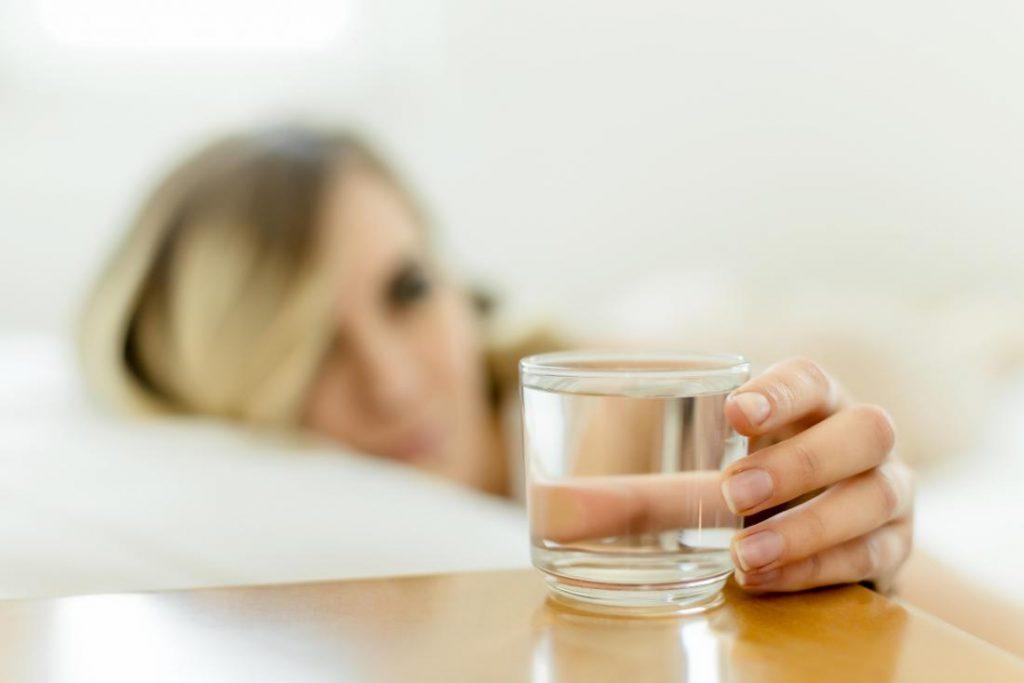 Chuẩn bị nội soi đại tràng chỉ bao gồm chất lỏng trong suốt 24 giờ trước
