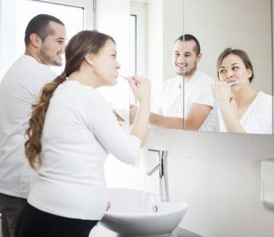 Tầm quan trọng của vệ sinh răng miệng có thể mở rộng tới vấn đề tình dục.