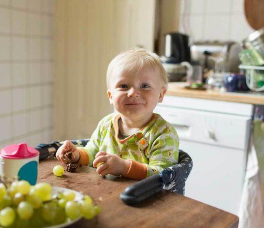 trẻ em ăn uống